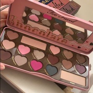 Too faced chocolate Bon bons paltte better than se